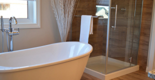 Rénover sa salle de bain : conseils, prix des fournitures et prix de pose