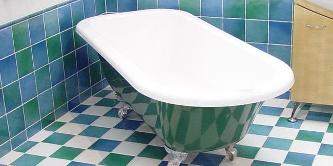peindre une vieille baignoire est ce possible comment faire. Black Bedroom Furniture Sets. Home Design Ideas