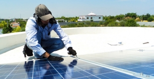 Comment entretenir et nettoyer ses panneaux solaires ?