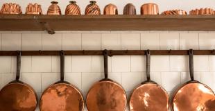 Objets en cuivre : comment les nettoyer et les entretenir ?